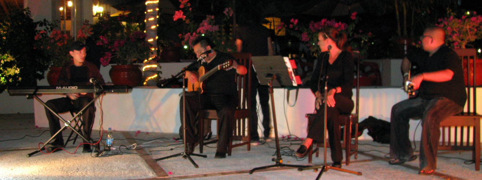 "Alejandra Milan performing live a the Oasis Palm Beach"" title=""Alejandra Milan performing live a the Oasis Palm Beach"